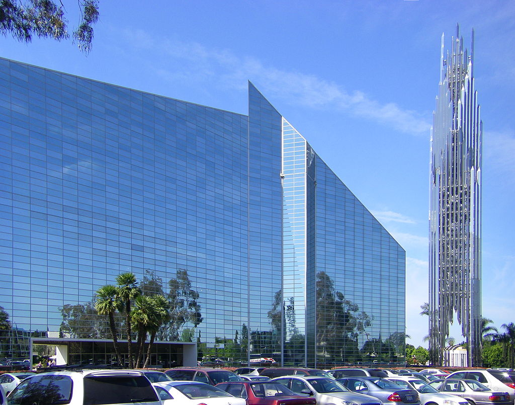 California's Garden Grove features the largest glass building in the world, which is the Crystal Cathedral ... photo by CC user Wattewyl on wikimedia